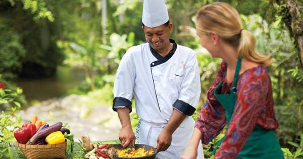 Belajar Memasak Makanan Khas Bali