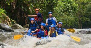 Tips Rafting Untuk Pemula Yang Wajib Anda Ketahui