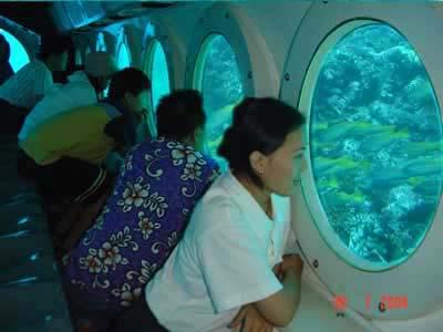 submarine ride di bali