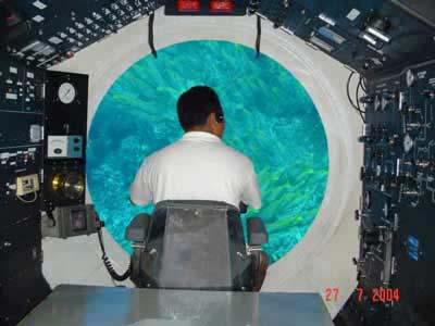 naik kapal selam bali