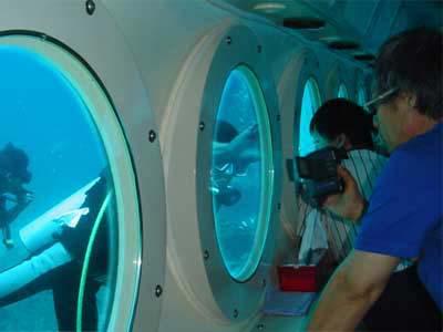 naik kapal selam dibali