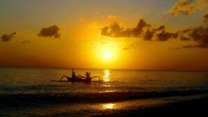 Sunrise Tempat Wisata Pantai Amed Karangasem Bali