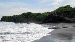 Pantai Medewi Pekutatan