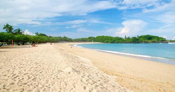 Garis Pantai Mengiat Bali
