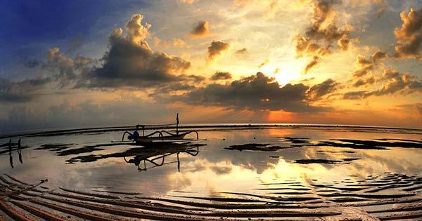 Sunrise Di Matahari Terbit Beach