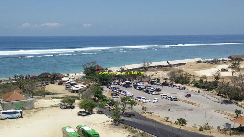 Tempat Parkir Luas Di Pandawa Beach Bali