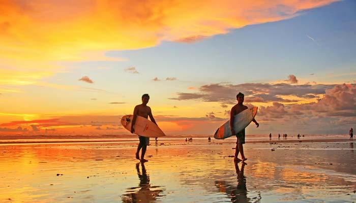 Pemandangan Matahari Terbenam Di Bali