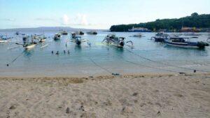 Pantai Padang Bai Karangasem Bali