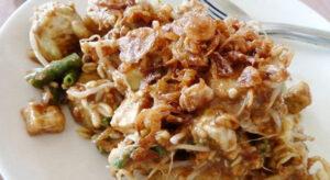 Tipat Cantok Made Bencong