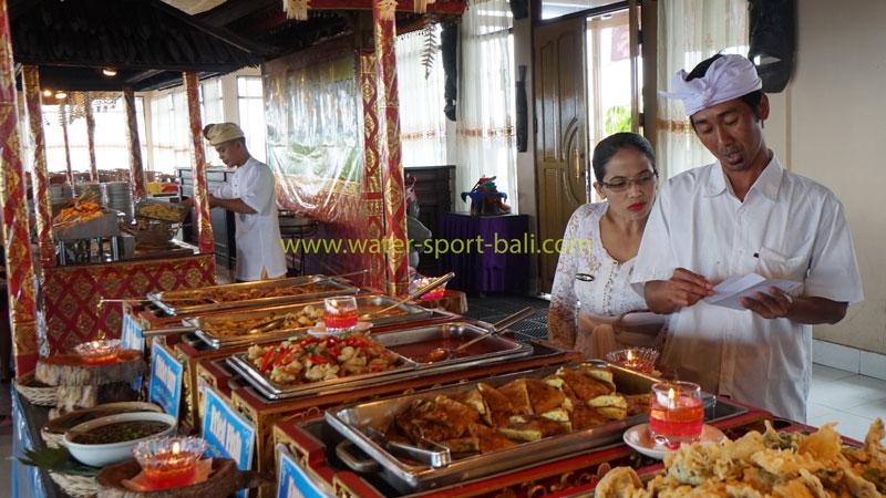 Pelayanan Tempat Makan Grand Puncak Sari