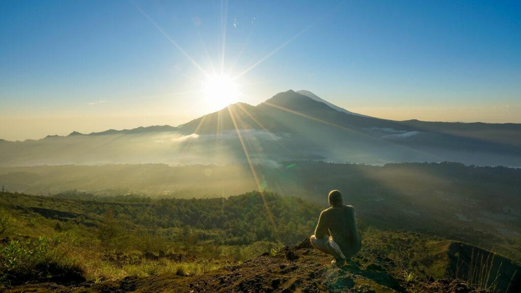 Pemandangan Gunung Batur Kintamani Bali Menjelang Sunrise