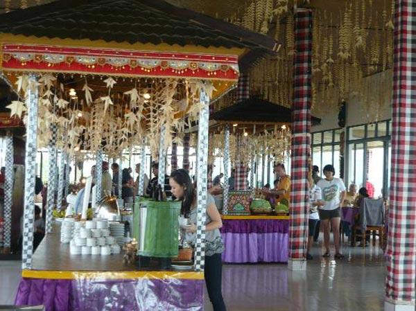 Food Stand Grand Puncak Sari