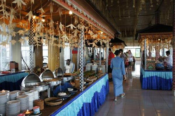 Stand Makanan Grand Puncak Sari