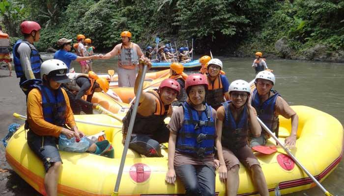 Payung Rafting Ubud Bali Pinggir Sungai