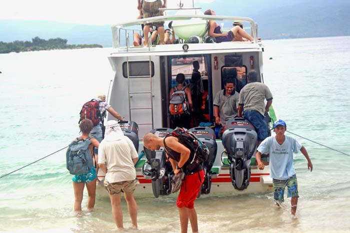 wahana fast boat load gili trawangan