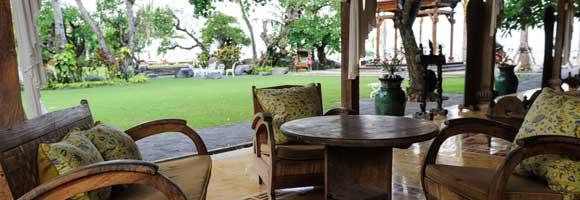 Paon Beach Club Bali