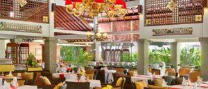 suasana ruangan bernuansa khas Bali Dewi Sinta Restoran Tanah Lot