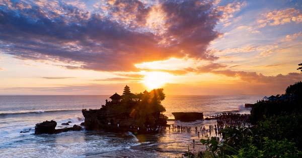 Sunset Di Pantai Tanah Lot - 20 tempat wisata untuk dikunjungi Bali