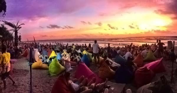 Sunset Pantai Mesari Seminyak - 10 Tempat Melihat Sunset Terbaik Di Bali