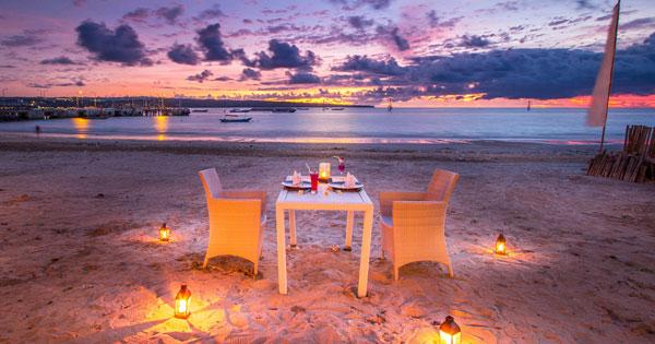 Konde Ratu Beach Club - Tempat Nongkrong Pinggir Pantai Kelan