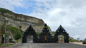 Gerbang Utama Pantai Melasti Ungasan Bali