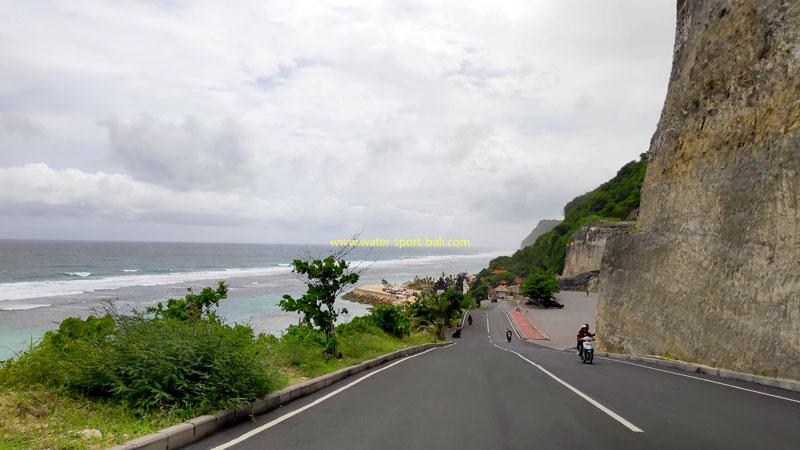 Jalan Menuju Pantai Melasti Di Ungasan Bali