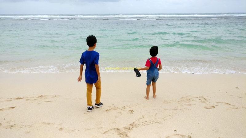Keindahan Melasti Beach Ungasan