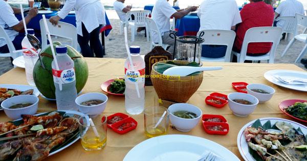 Kuliner Seafood Bakar Terbaik Tepi Pantai - 10 Keunggulan Jimbaran Untuk Tempat Liburan Anak Di Bali