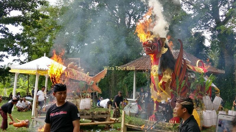 Upacara Kremasi Di Bali