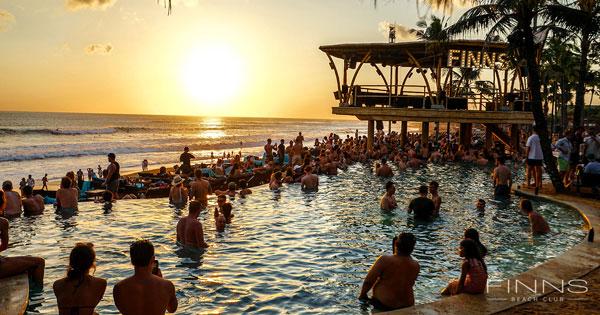 Sunset Finns Beach Club Berawa Beach
