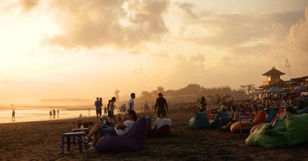 Nongkrong Di Tepi Pantai Canggu Bali