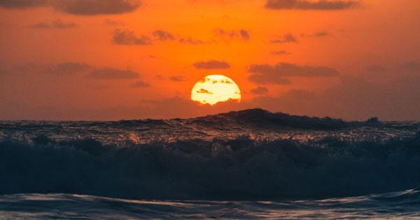Pemandangan Sunset Di Pantai Batu Bolong Canggu Bali