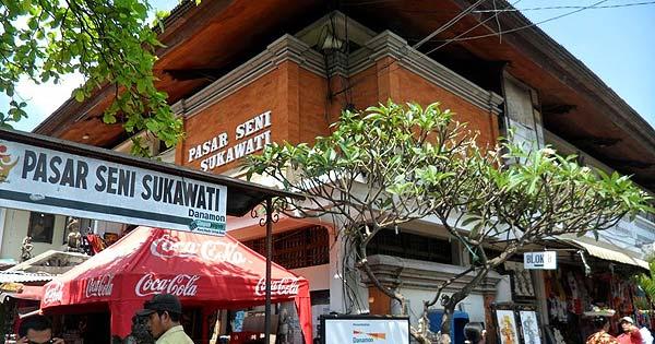 Pasar Seni Sukawati - 10 Tempat Belanja Favorit Di Bali