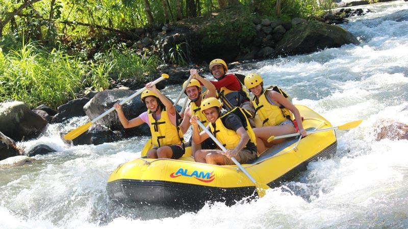 Jeram Sungai Untuk Rafting Kelas 2