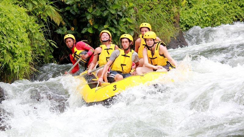 Rafting Kelas Jeram Sungai Tingkat 3