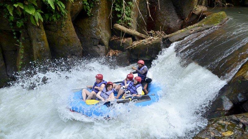 Rafting Sungai Melangit