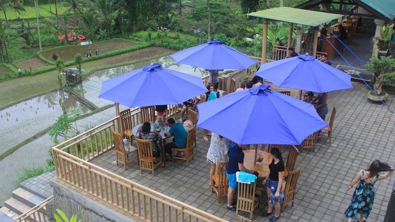 Area Restoran Rafting BMW Telaga Waja