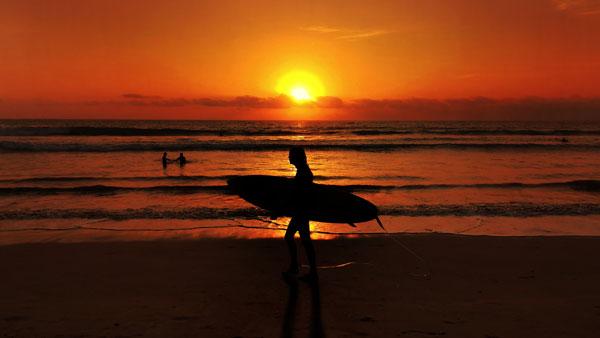 Keindahan Sunset Pantai Kuta