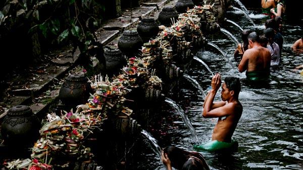 Pura Tirta Empul Tampak Siring - 20 tempat wisata untuk dikunjungi Bali