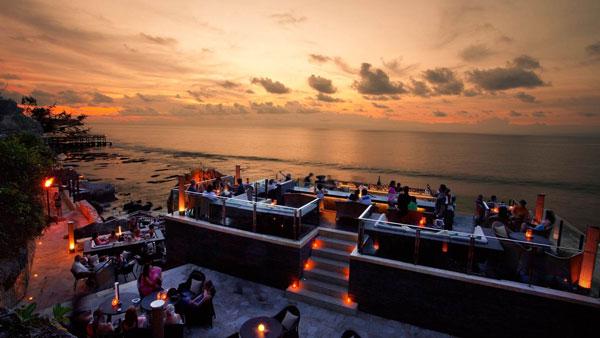 Rock Bar Ayana - Hiburan Malam Jimbaran Bali